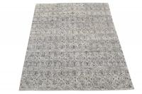 62381 Black and White soft rug 7'11