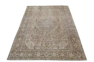 One of a Kind Persian Rug 6'x9'
