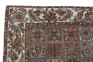 Antique Persian Bakhtiar carpet 11'1