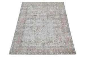 Vintage Tabriz rug 6'8