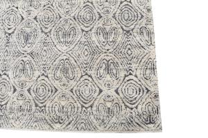 62381-Black and White soft rug 7'11