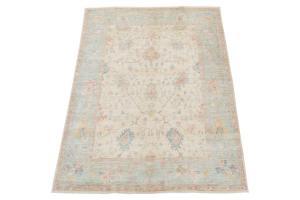 Contemporary rug 5'6