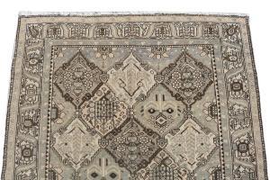 Persian Bakhtiar Rug 5'6