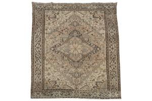62455 Persian Heriz 6'10