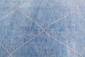 62889 Modern Blue rug 6'7