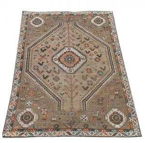 63319 Antique Southwest Persian Ghashgaie Rug 5′1″ × 7′7″