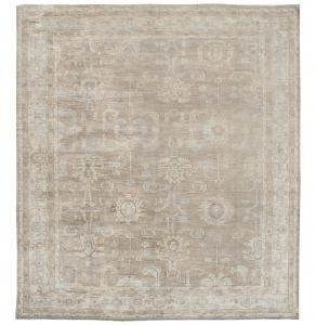C11/16/30 Traditional rug 9'11