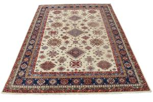 C15/47/161 Traditional rug 10'6