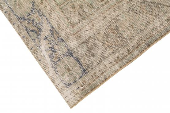 37097 Distressed Vintage Turkish Rug 10'x6'9