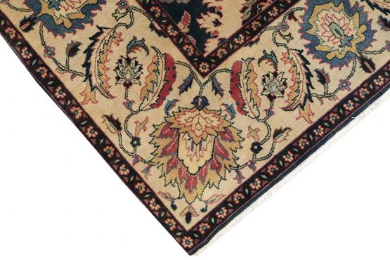 37472  Beautiful Rug  9'x12'