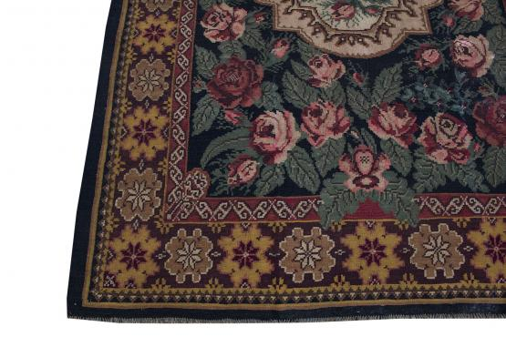 37922 European Moldavia Old Kilim 6'9