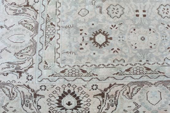 39454 Antique Nanaj Persian carpet 13'9