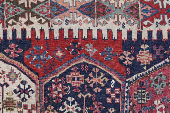 57613 Antique Turkish Kilim Size 5'5
