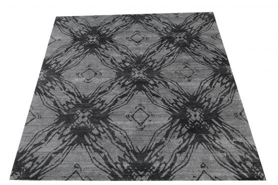 58114 Bamboo Silk Black Gray Rug Size 7'10