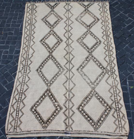 58826 Berber 5'9