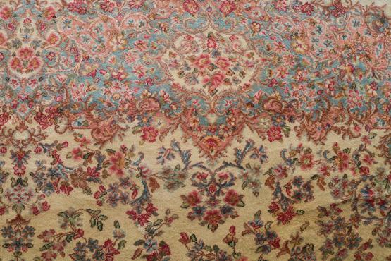 58911 Karastan Traditional Design 11'4