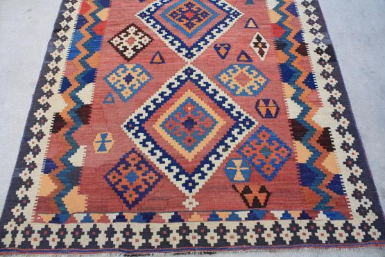 58945 Old Persian Kilim 4 10 Quot X8 8 Quot The Rug Warehouse