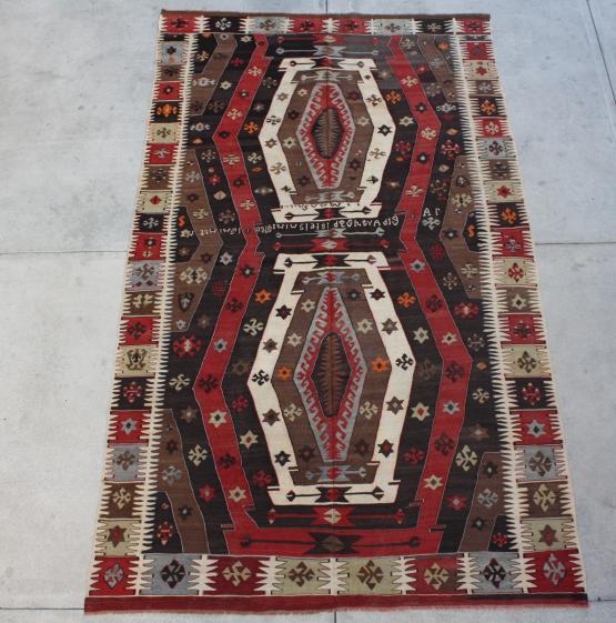 59300 Antique Turkish Kilim 5'7