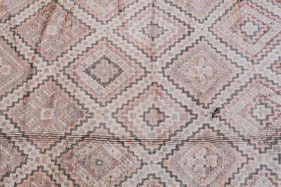 60619 Vintage Moroccan Berber 10'8