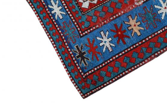 60673 Antique Kazak rugs 6'6