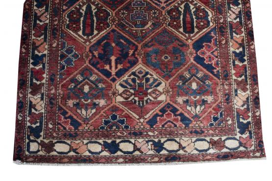 61157 Old Persian Bakhtiari runner 3'8