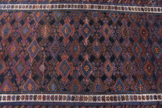 61161 Persian Veramin 5'2