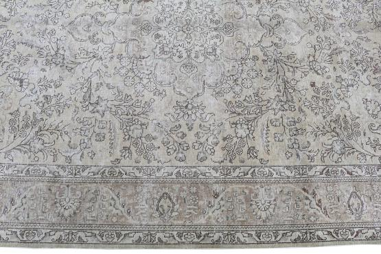 62084 Hand Knotted Persian Rug 6'8
