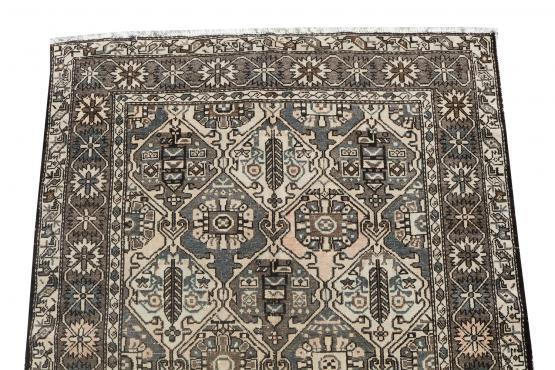 62451-Persian Bakhtiar Rug