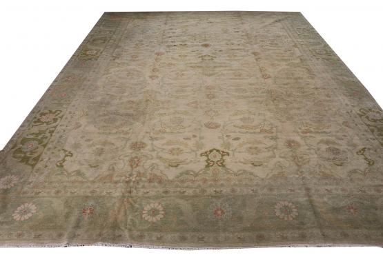 C61582 All wool hand made rug 11'6